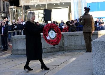 Provost Cameron lays a wreath