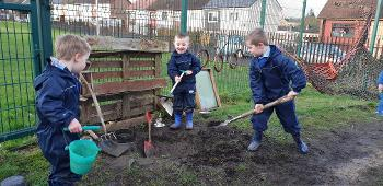 Boys digging at Heriot ELCC