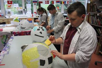 Mary Russell School pupils learning about creativity