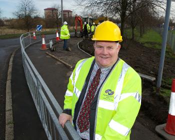 Cllr Devine at Linwood junction