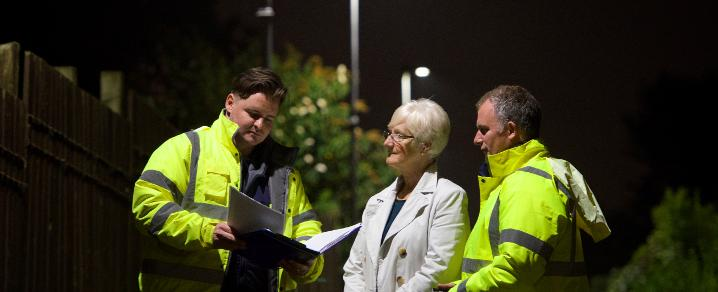 Cllr McEwan at LED lighting survey
