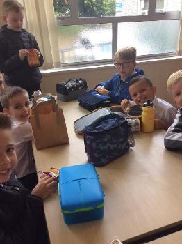 Arkleston pupils eating lunch on their first day back at school