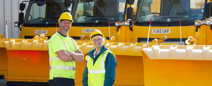 Gritter driver Eric Phillips and Cllr McEwan