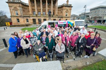 Sheltered housing residents with the SOOPIR bus